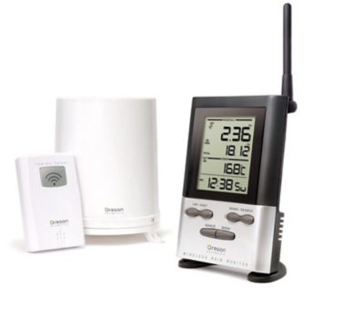 Oregon Scientific Wireless Rain Gauge with Outdoor Temperature and 9-Day Memory