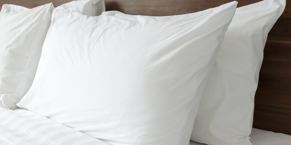 different types of pillows.